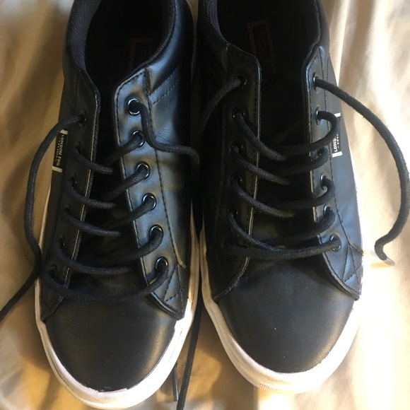 London Fog Other - Leather sneakers